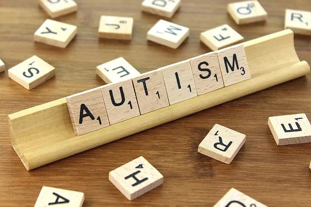Through autistic eyes - AUTISM Scrabble set